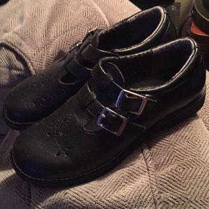 Bongo black buckle shoe size 5 1/2